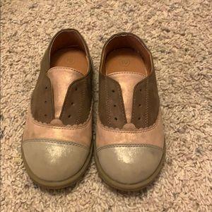 Girl's saddle shoes